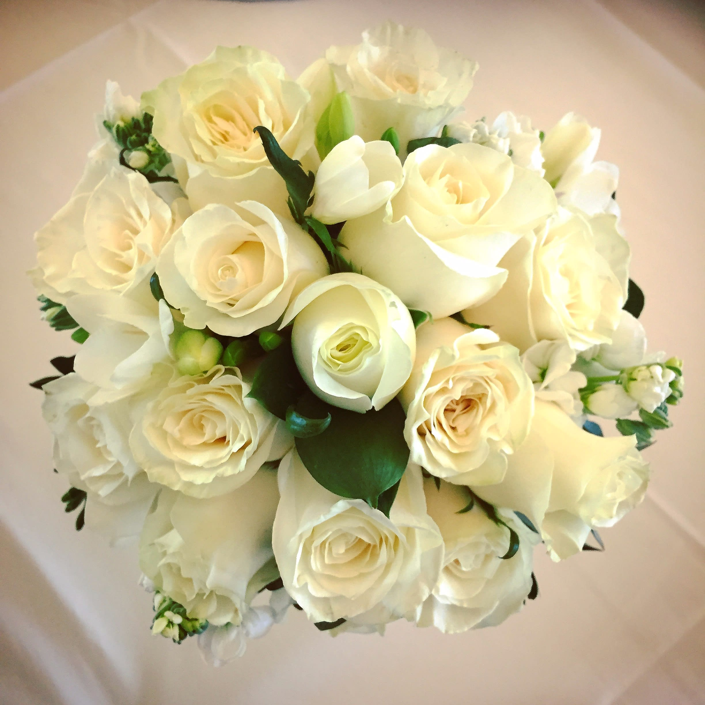 Simple White Bridal Bouquet In Albany Ca Albany Florist And Gifts