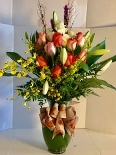 0eb43e518fd7 Share a smile with someone very special with this grand arrangement