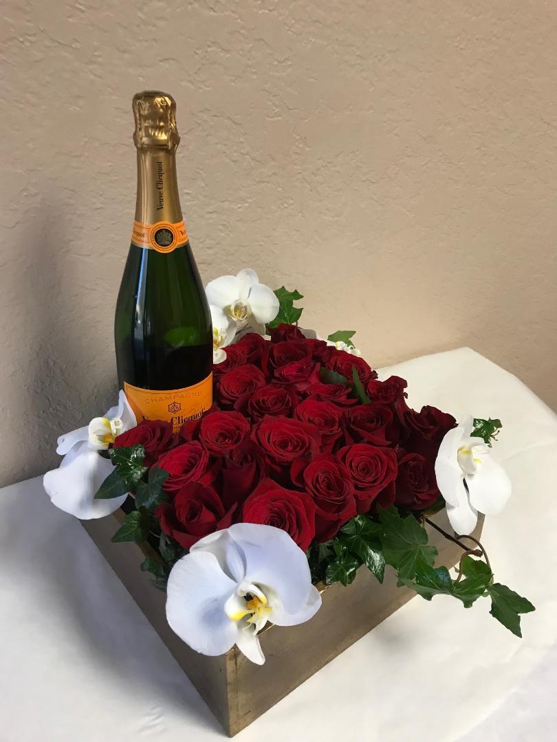 Beautiful Roses And Champagne In Westlake Village Ca Westlake