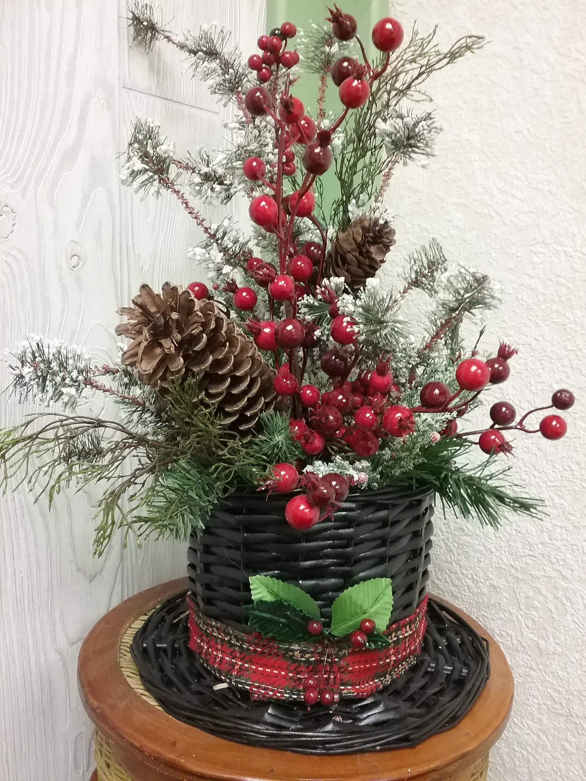 Christmas Top Hat.Top Hats To Christmas In Wamego Ks The Flower Mill