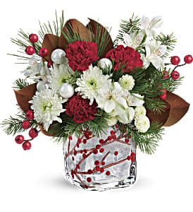 Teleflora Christmas 2019.Teleflora S Wondrous Winterberry Bouquet In Frederick Md Amour Flowers