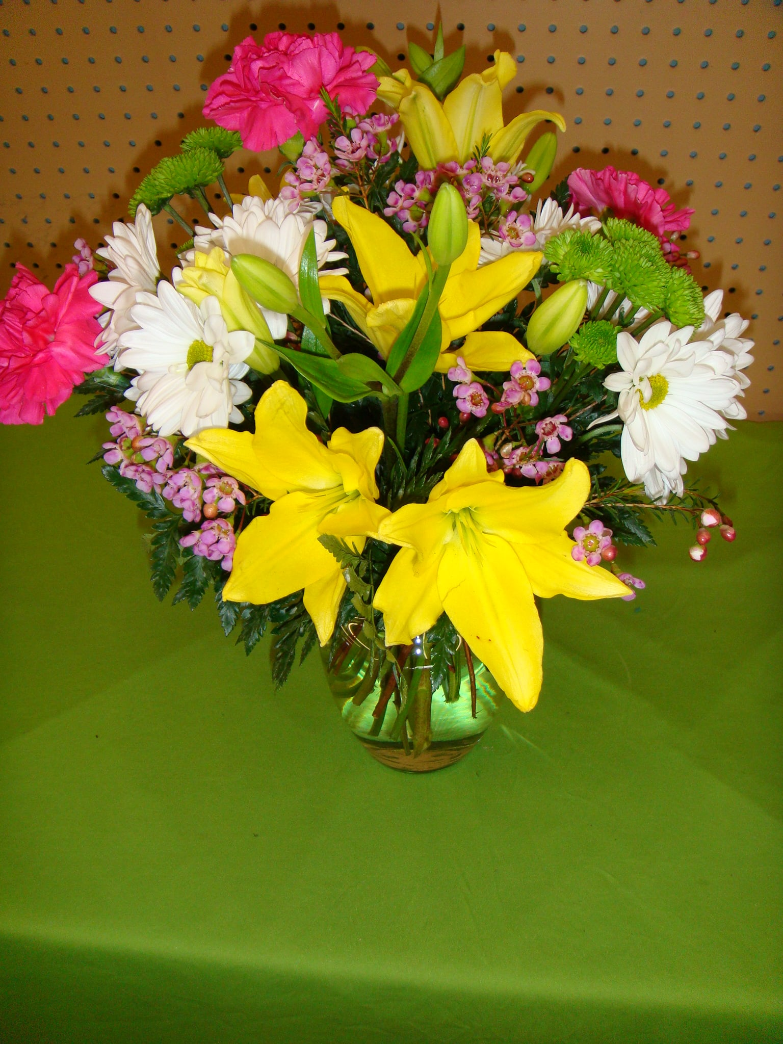 V31 Vase Arrangement of Yellow,Pink & Whites
