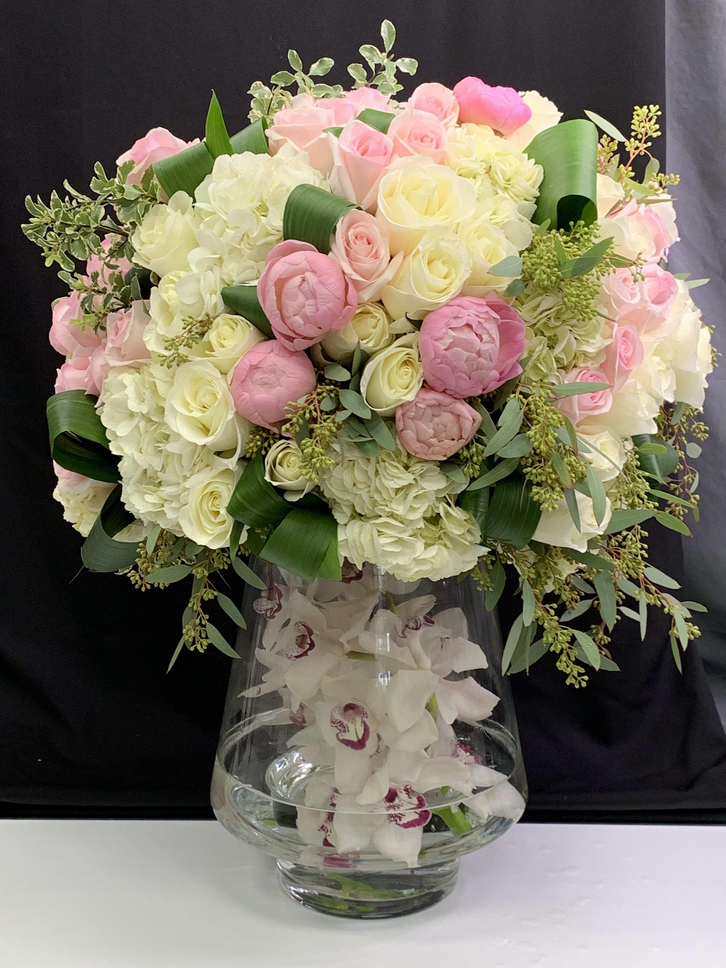 Large Modern Flower Arrangement In North Miami Beach Fl Luxury