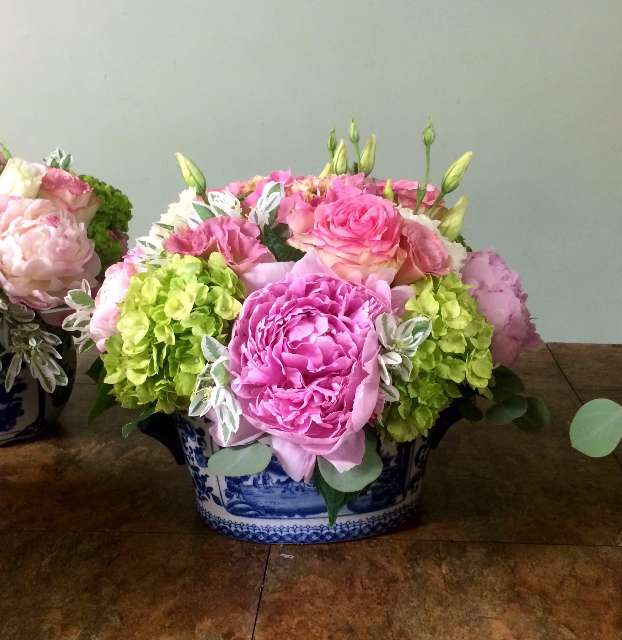 Peonies Hydrangeas In Los Angeles Ca Brenda S Flowers
