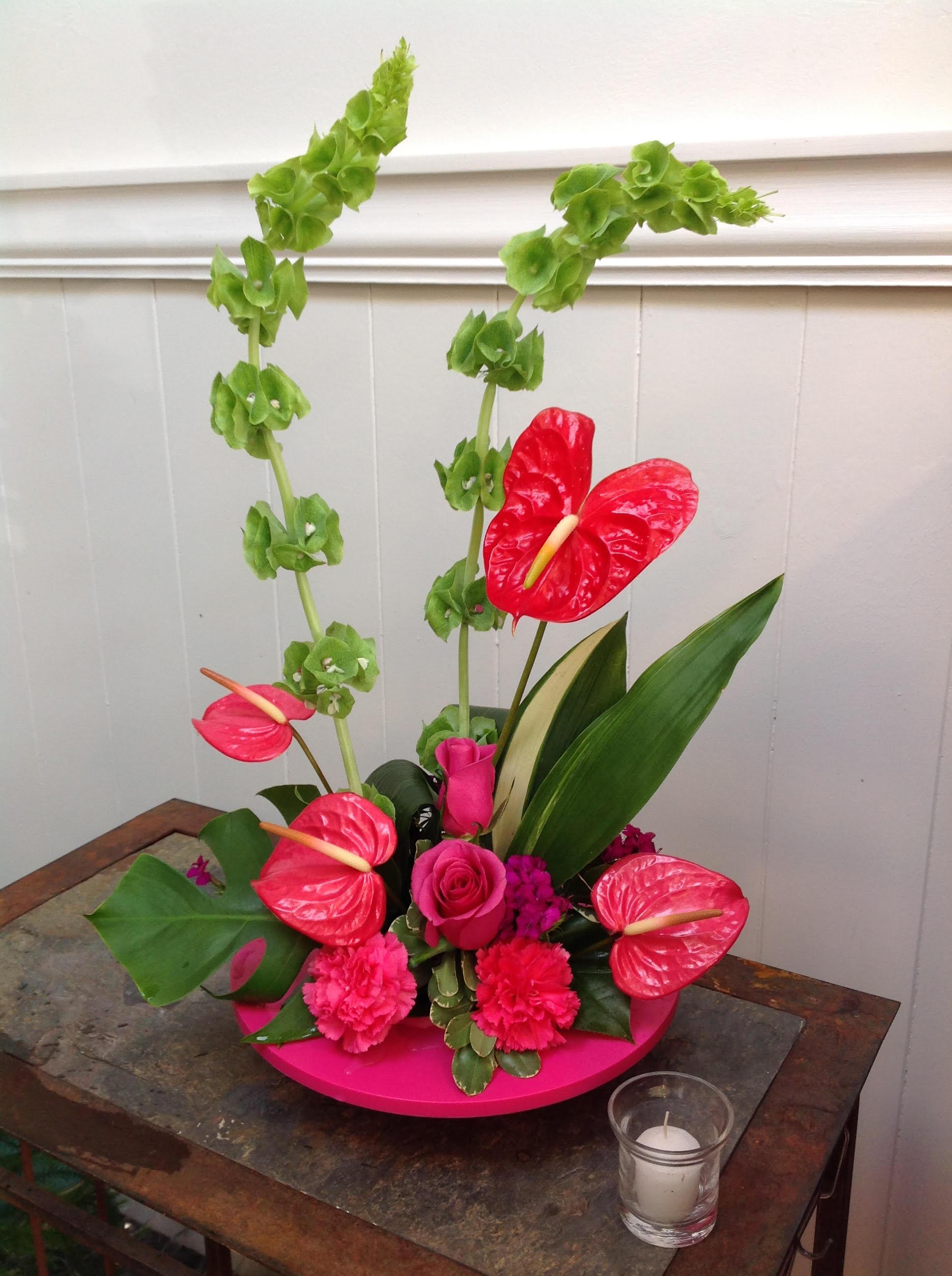 Hawaiian Breeze In Seattle Wa Lavassar Florists