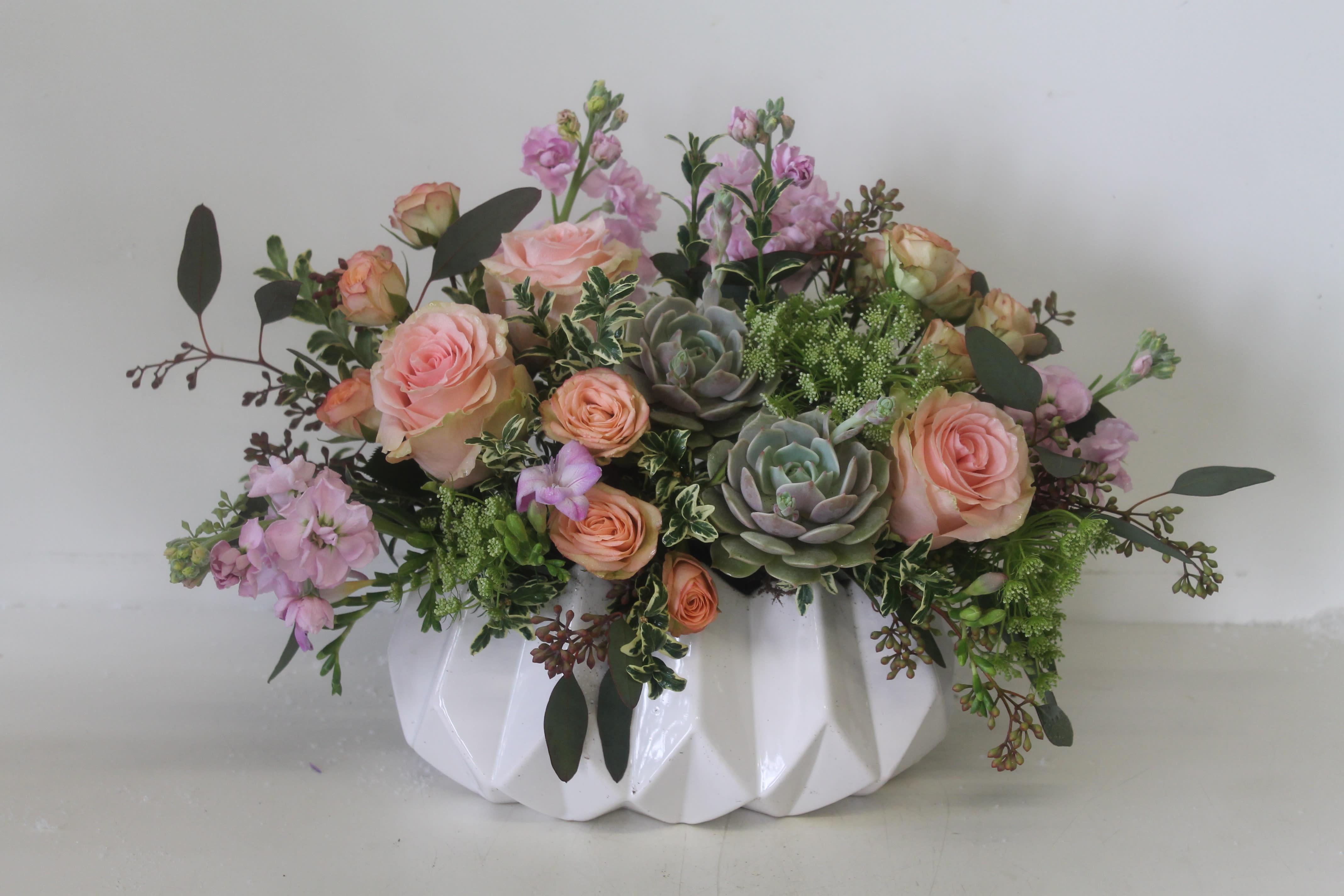 Lovely Bouquet In Newport Beach Ca Newport Beach Flora