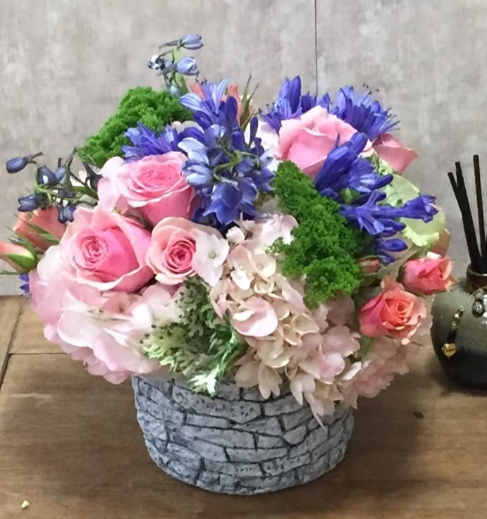 The Wishing Well By Exceptional Flowers Gifts In Boca Raton Fl