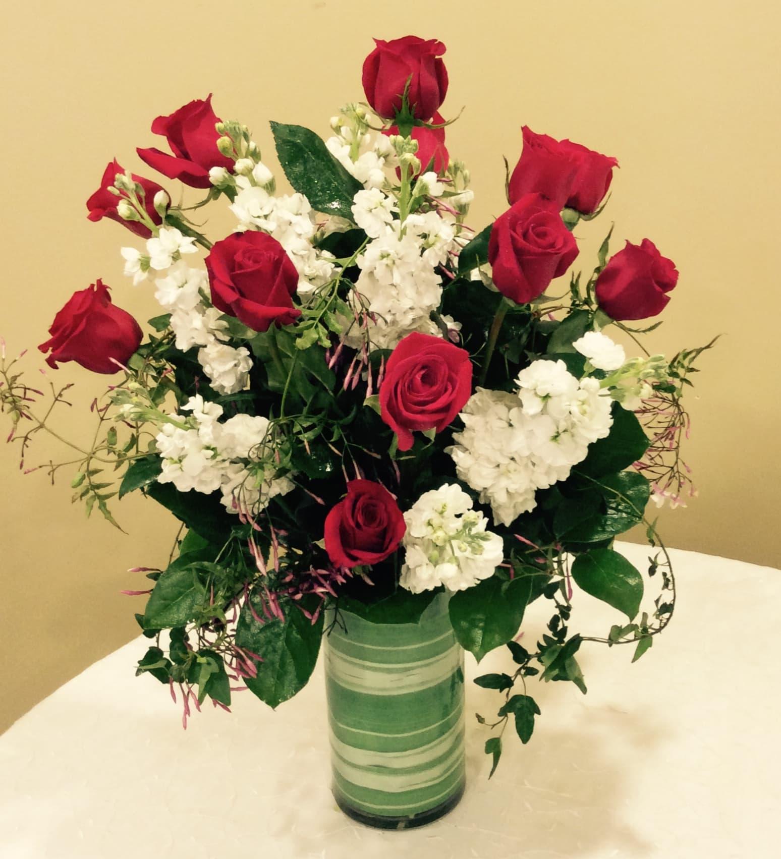 Red Roses Vase In Philadelphia Pa Natures Gallery Florist Inc
