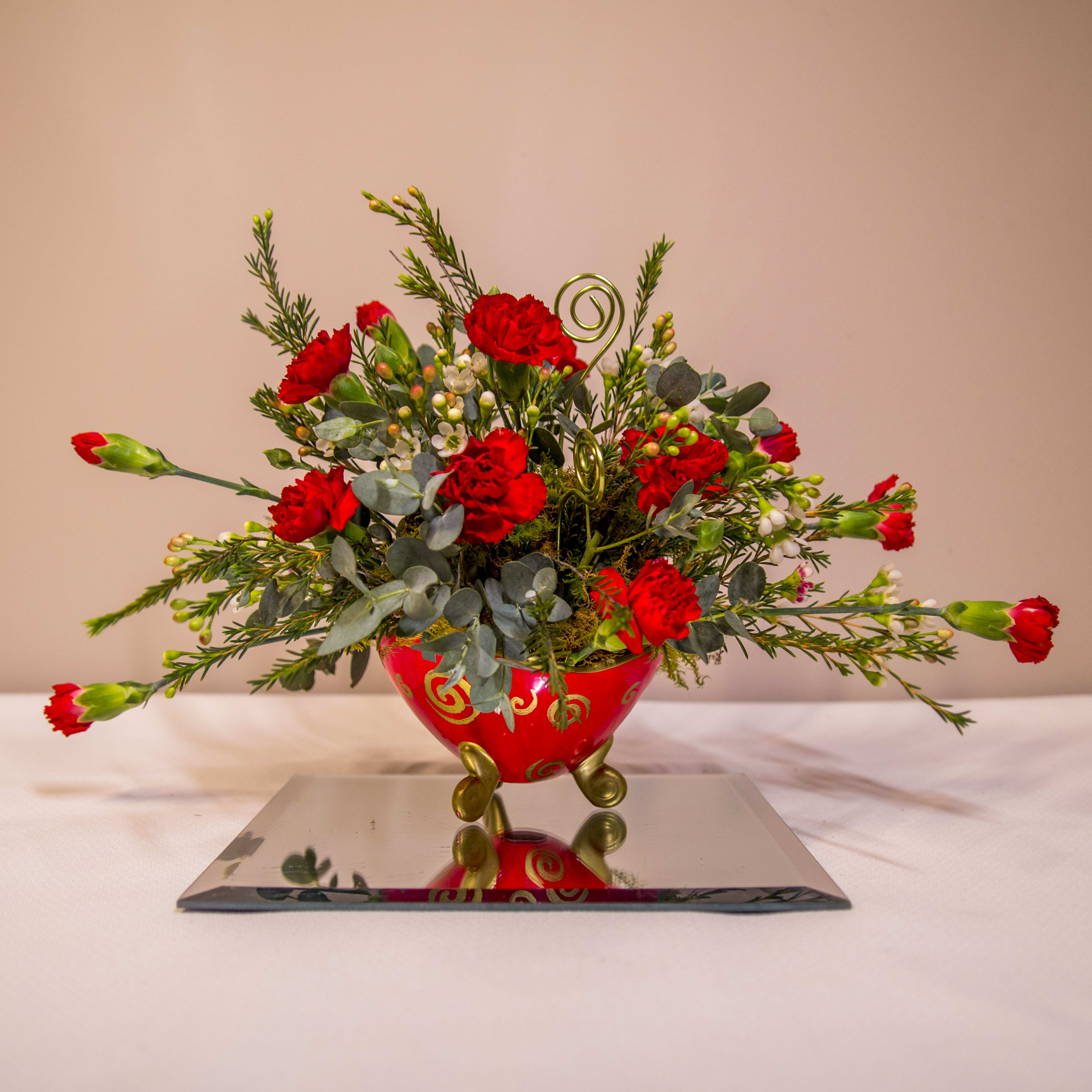 Sweetheart Swirls In Athens Tn Goins Creations Athens Flower Shop