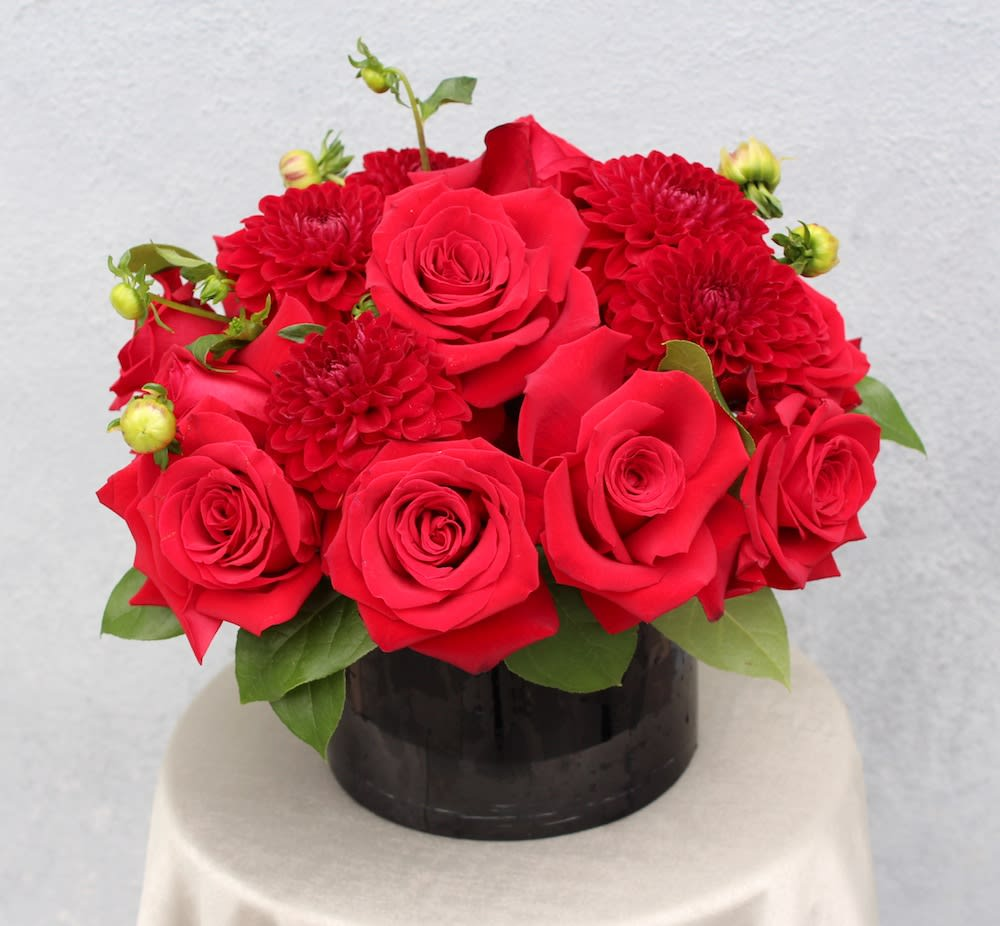 Roses And Dahlias If Available Can Replace With Other Beautiful Flower By Fleurs Du Jour