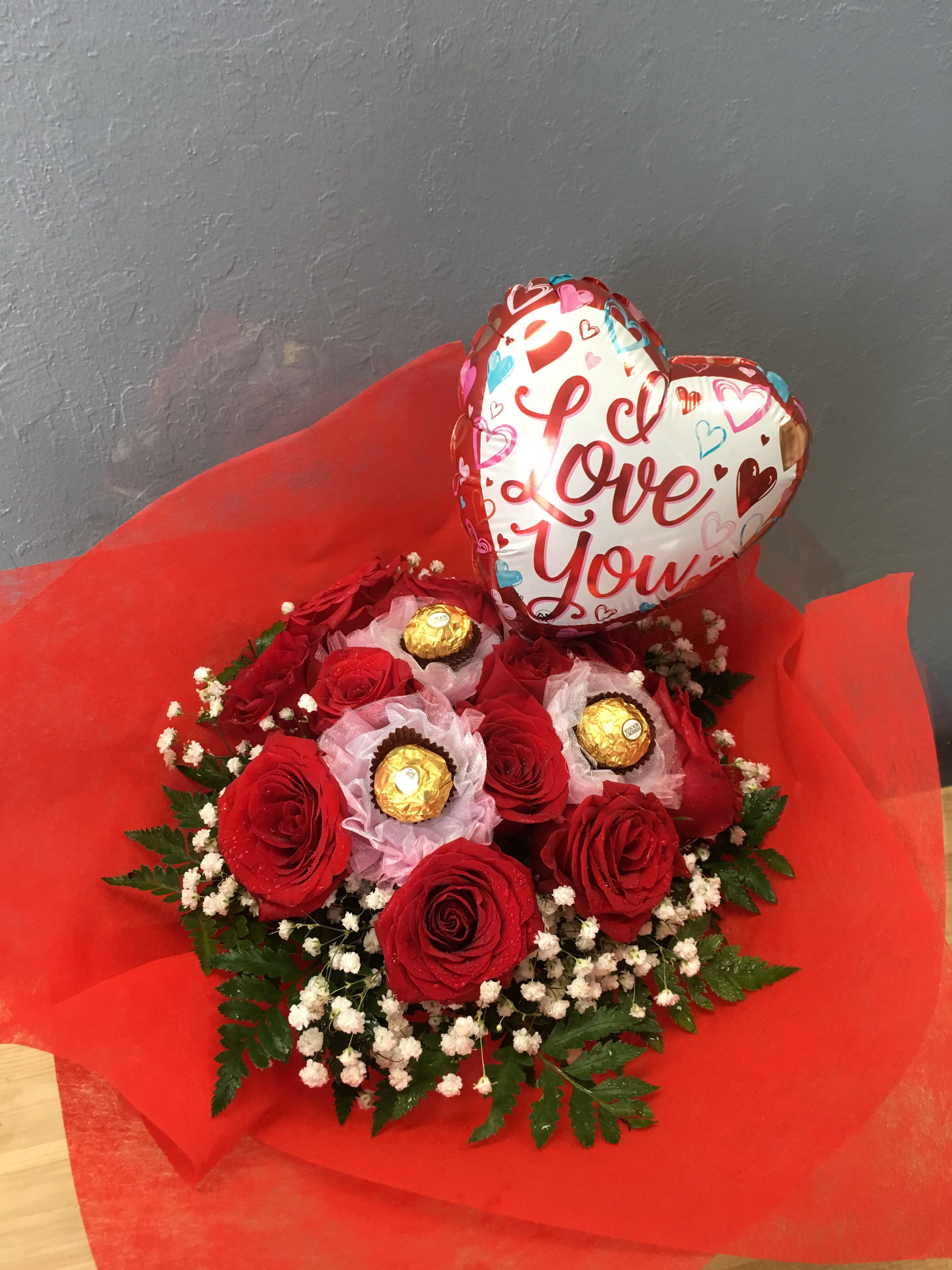 Sweetheart Red Roses Wrapping Bouquet