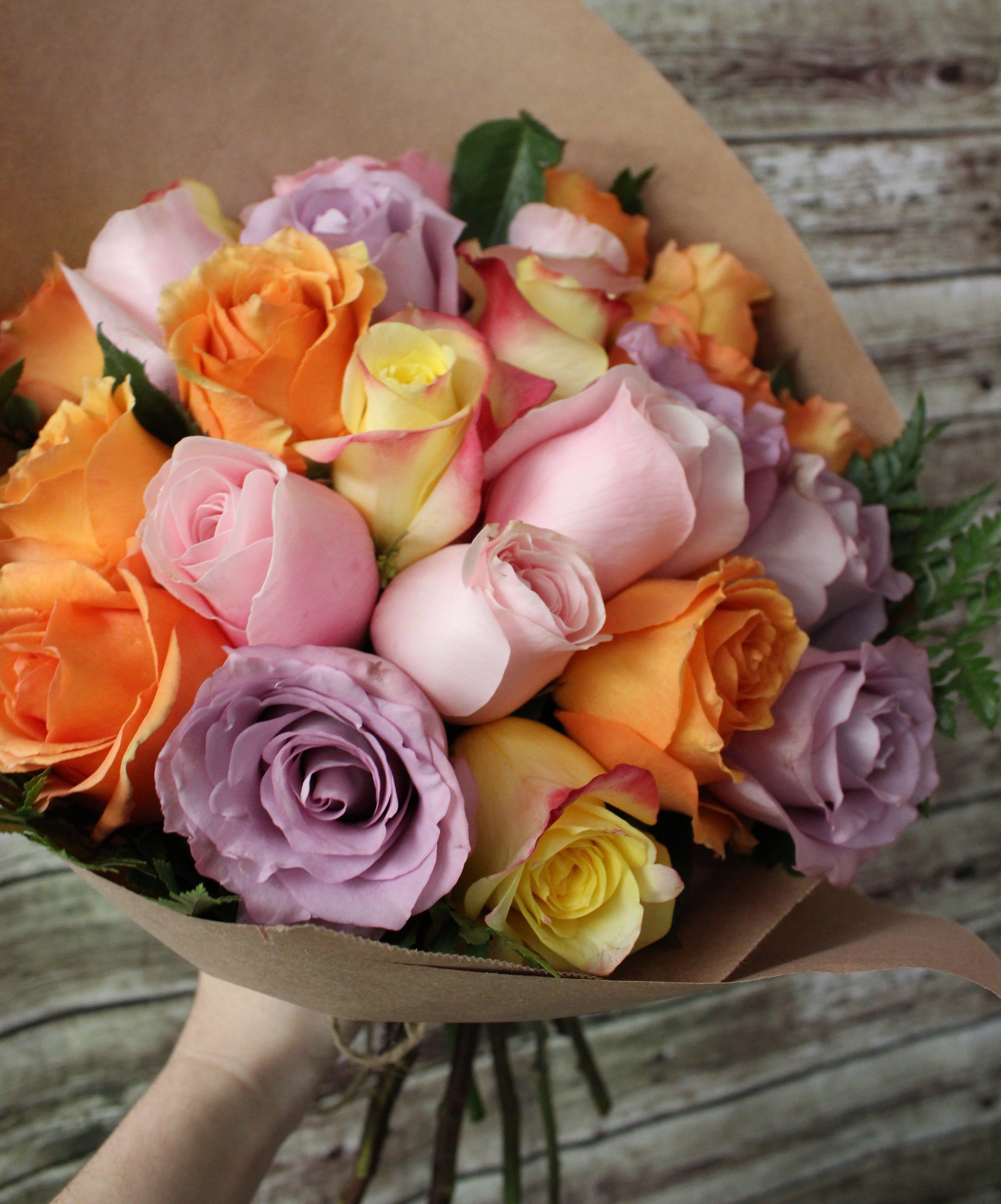 2 Doz Short Stem Roses Special in Orange, CA   The Dizzy Daisy