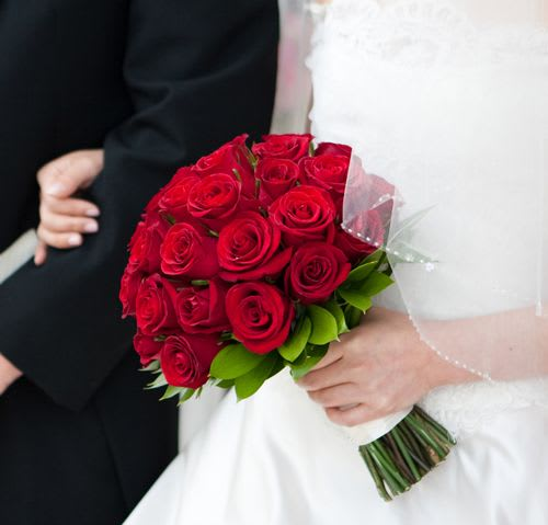 Wedding Flower Bouquet Hd Pics: Classic Red Rose Bridal Bouquet & Boutionniere In Studio