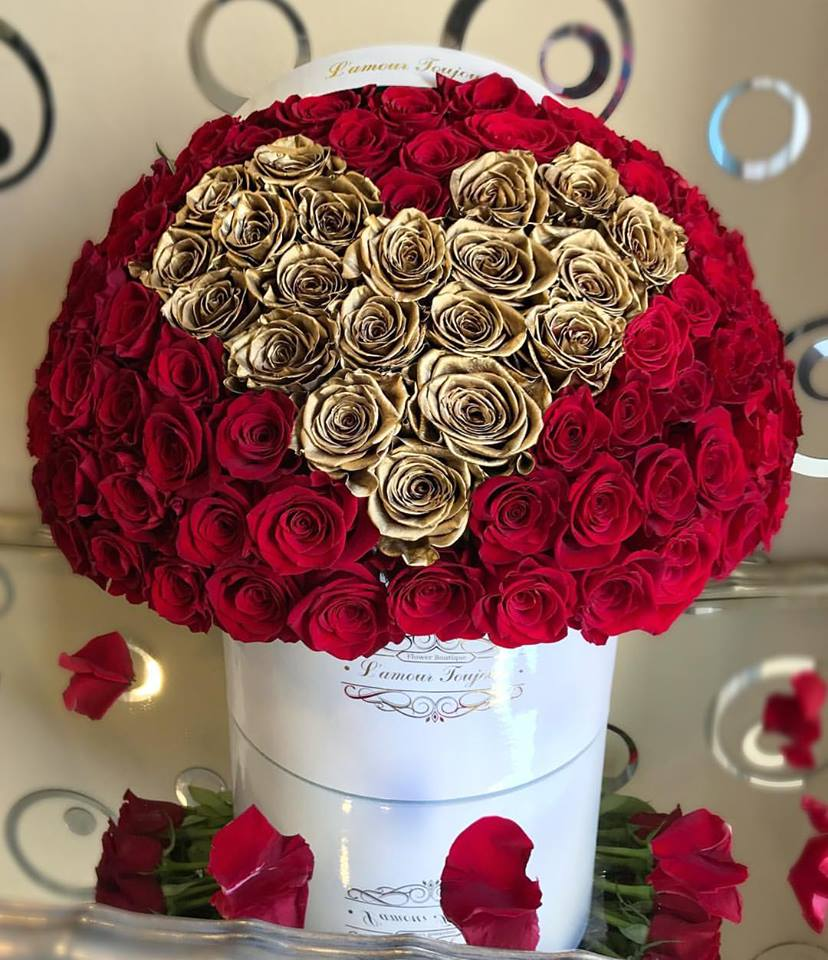 100 Red Roses with Gold Heart of Roses You can change the color