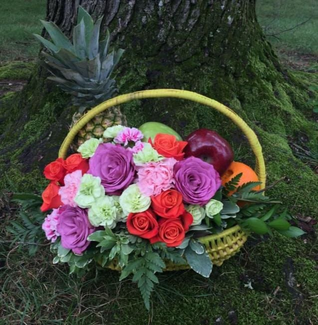 Send the freshness of fruit accompanied by flowers and make them feel