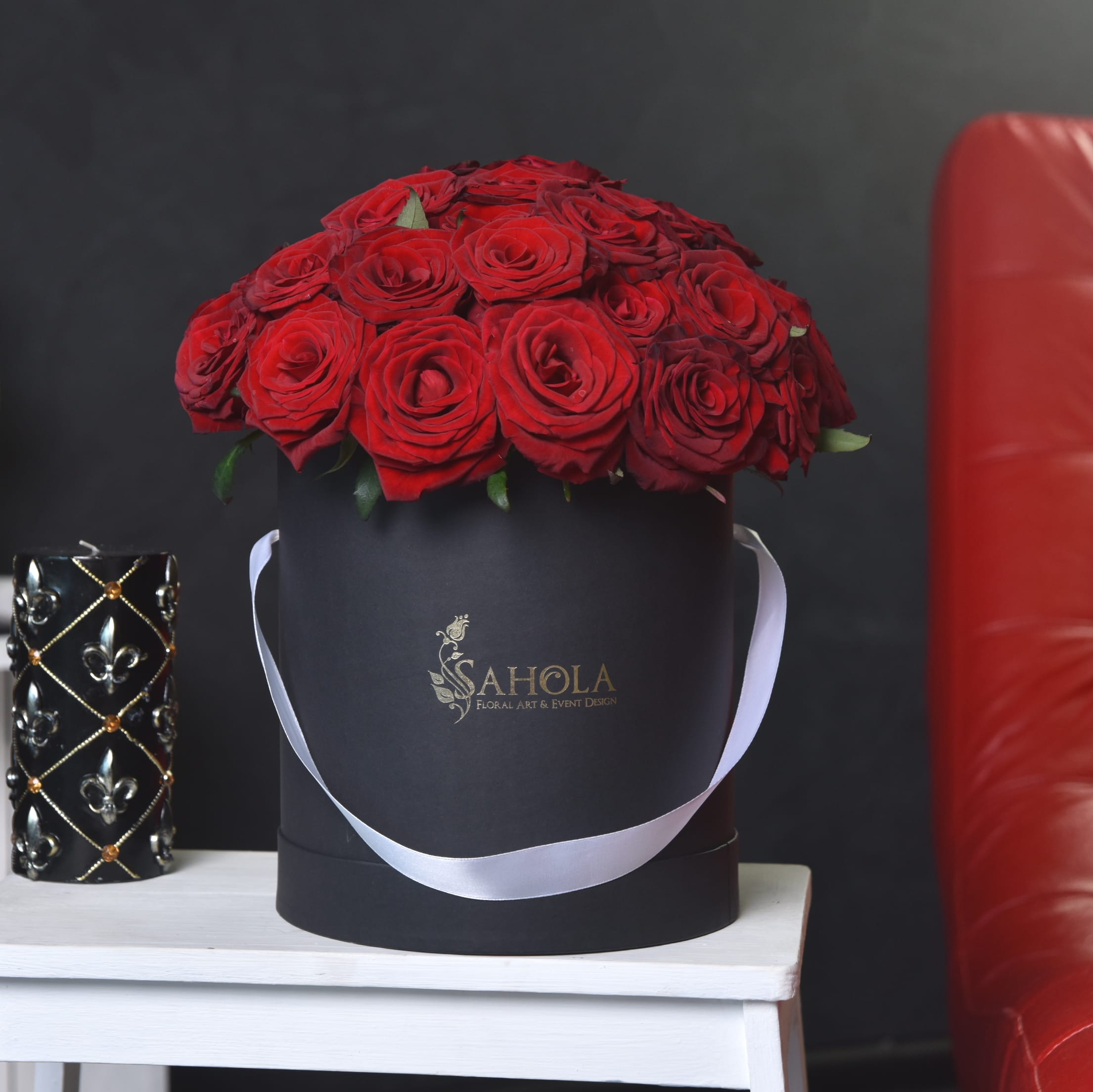 2 Dozen Red Roses In Flower Hat Box By Sahola Flower Fashion Boutique