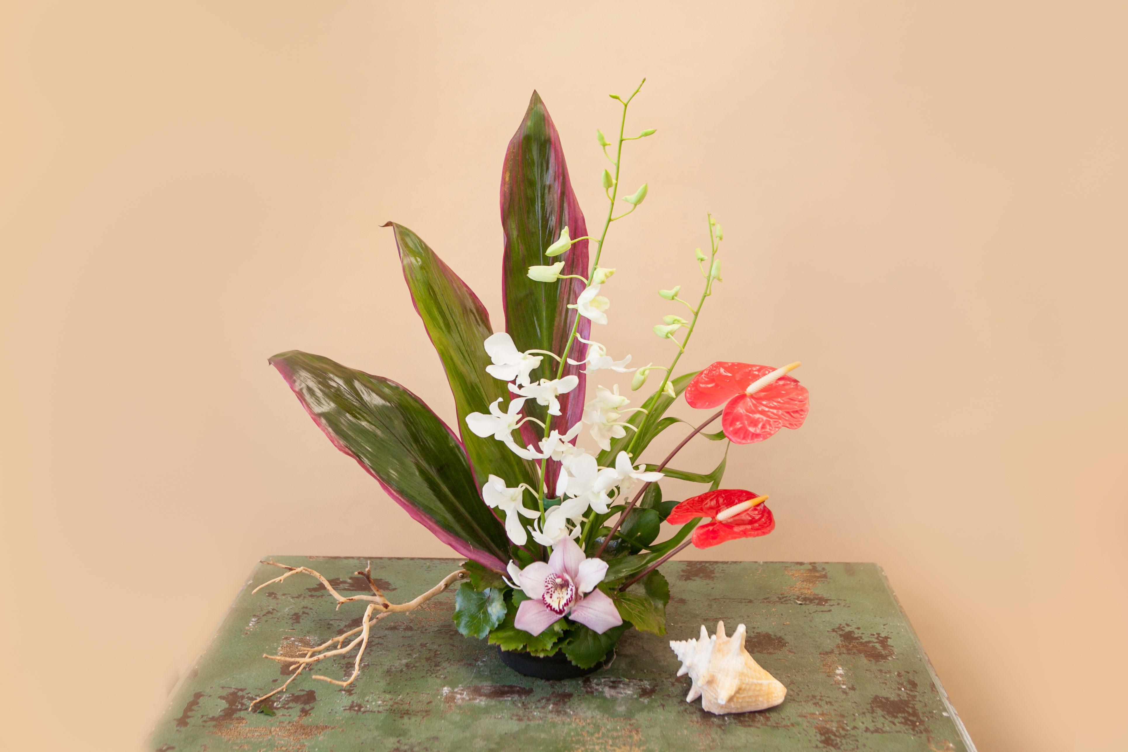 Aloha Love in Laguna Niguel, CA | McCool Flowers