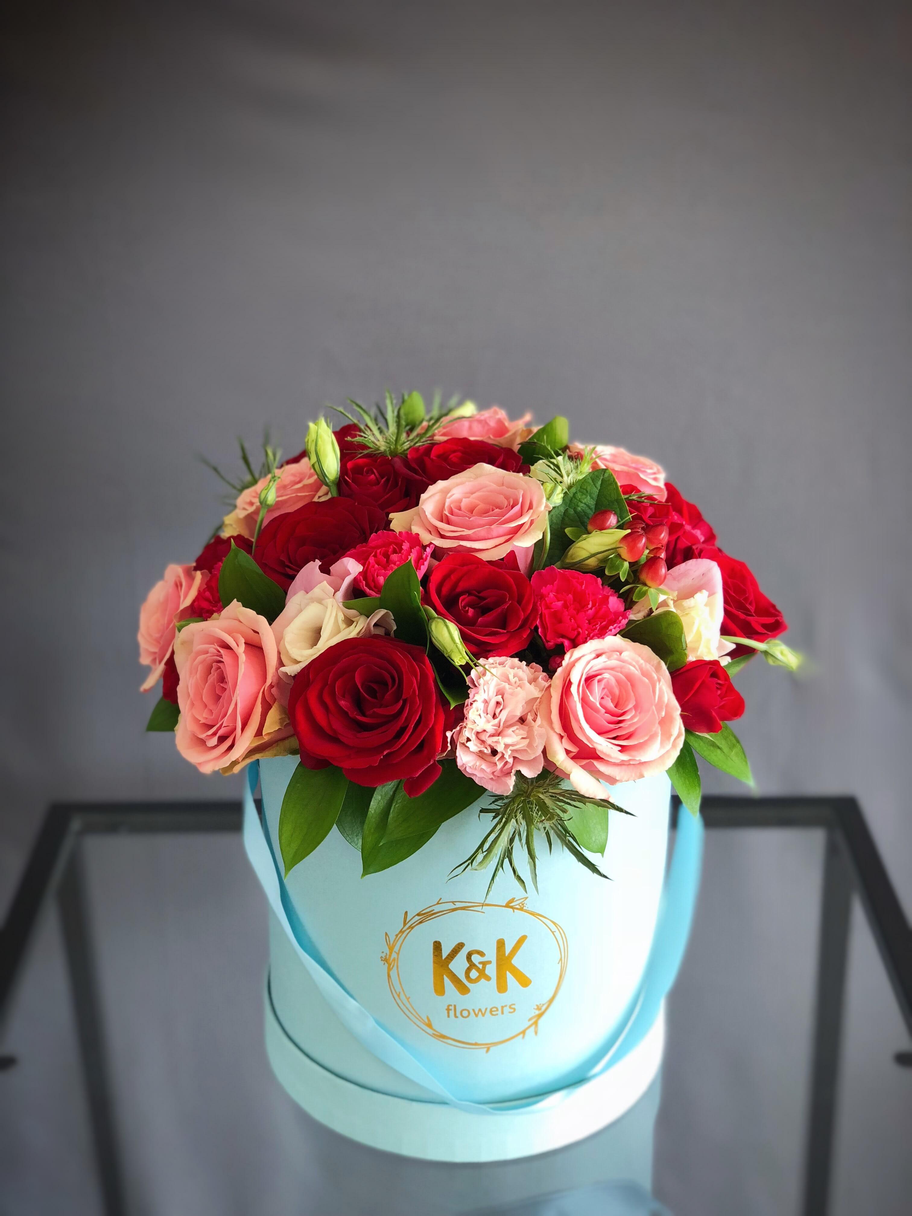 bbfe1863cb75 #90 - Blue hat box arrangement Red & Pink large by K&K Flowers