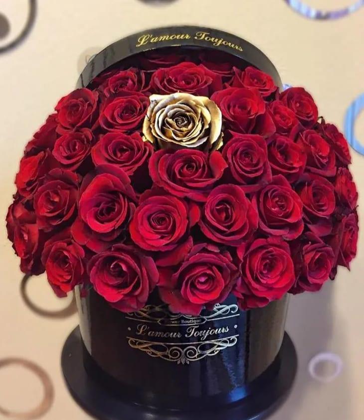 Love Signature Box By L Amour Toujours Flower Boutique