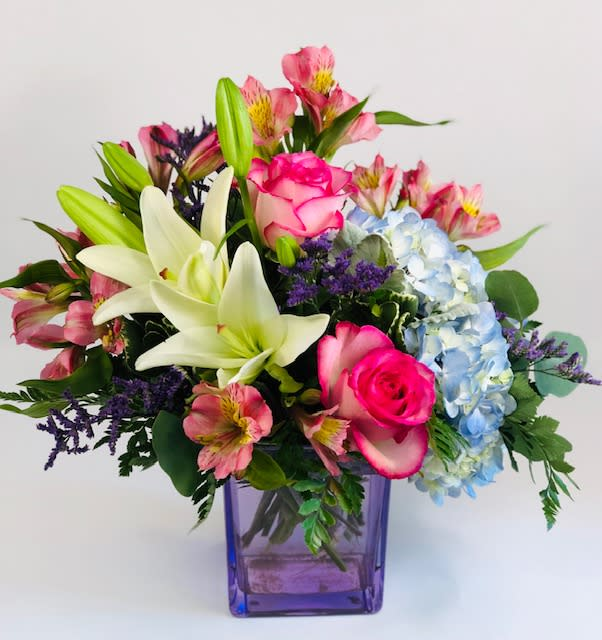 Queen for the Day Bouquet by Barb\u0027s Flowers in Roseburg, OR