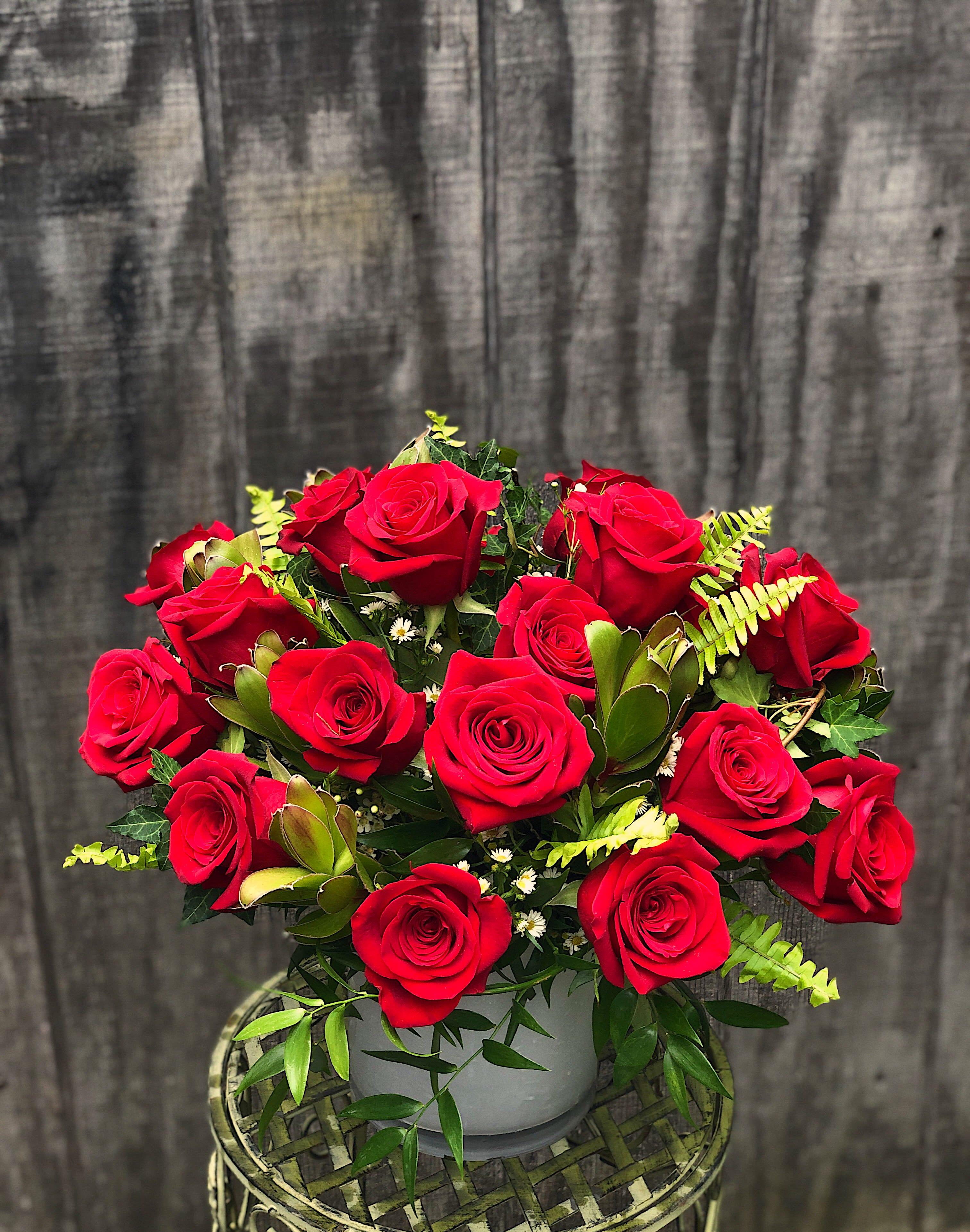 Lush Rose Garden In Belmont Ma Jayne S Flowers