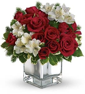 Christmas Flower Arrangements.Teleflora S Christmas Blush Bouquet In Roseburg Or Barb S Flowers