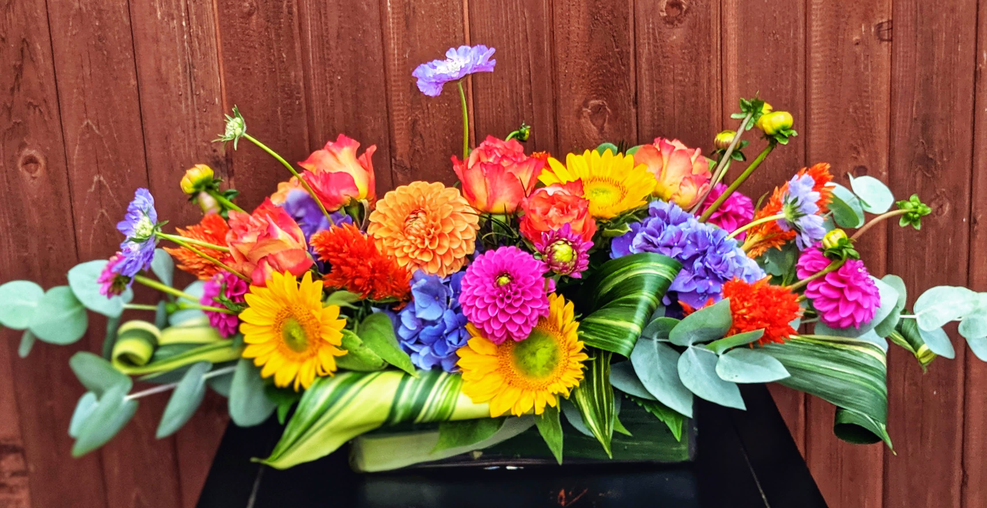 Color Wheel Centerpiece By R Blooms