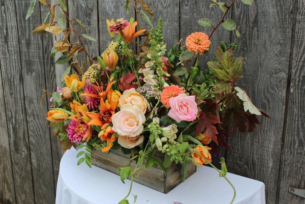 Box Flower Arrangement In Petaluma Ca Flower Casita