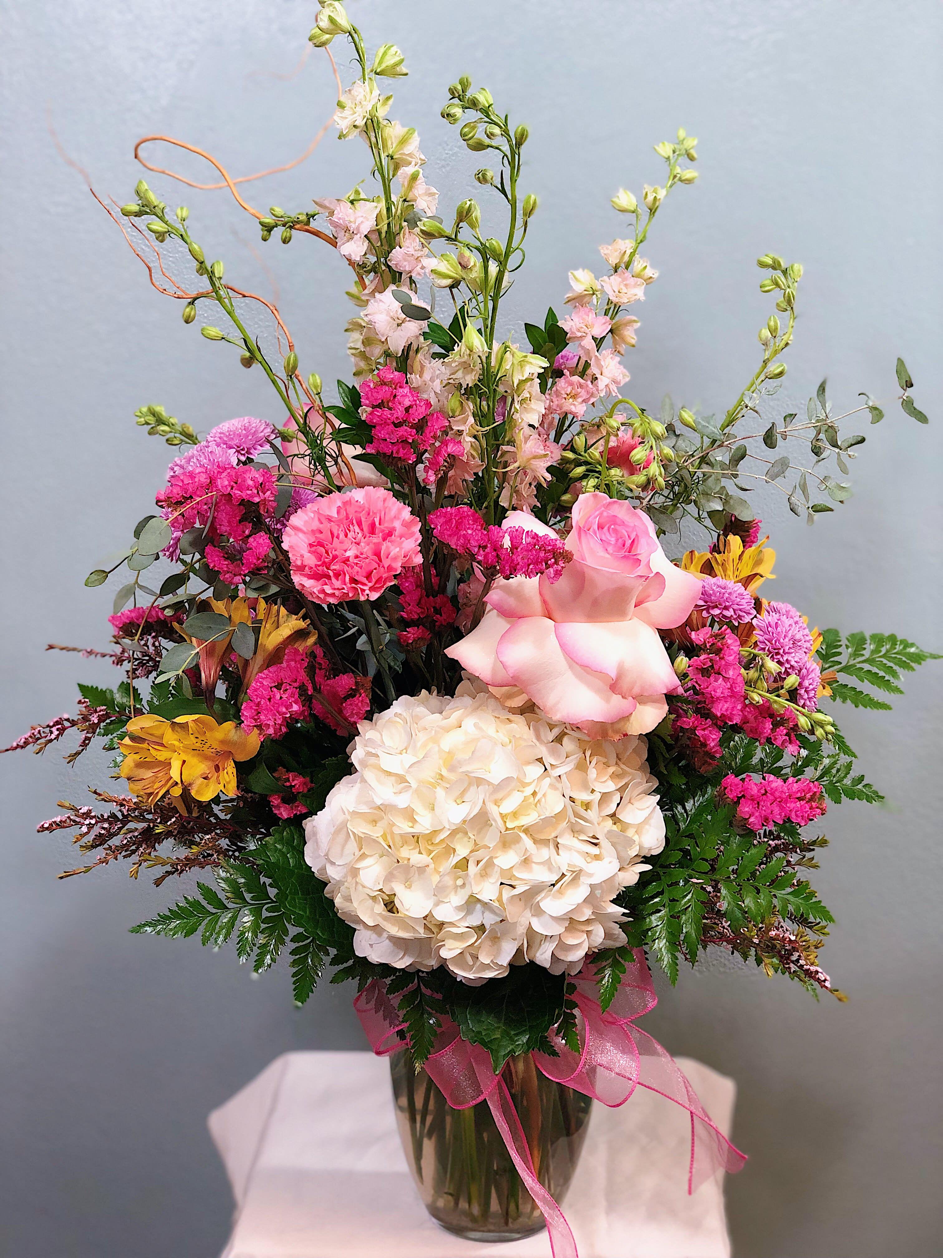 Small English Garden Pastel In Marrero La Westbank Florist Llc