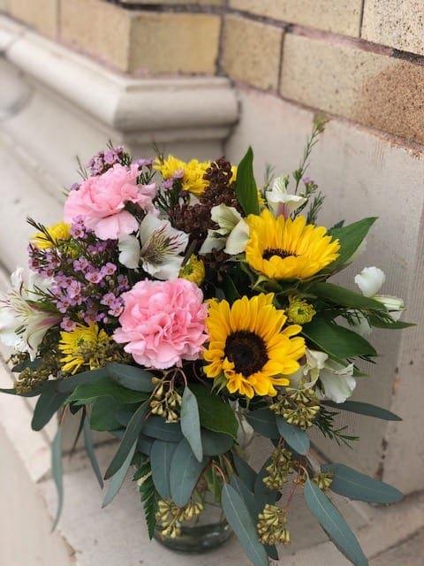 Sunbeam Surprises in Stanley, WI | Ele's Flowers