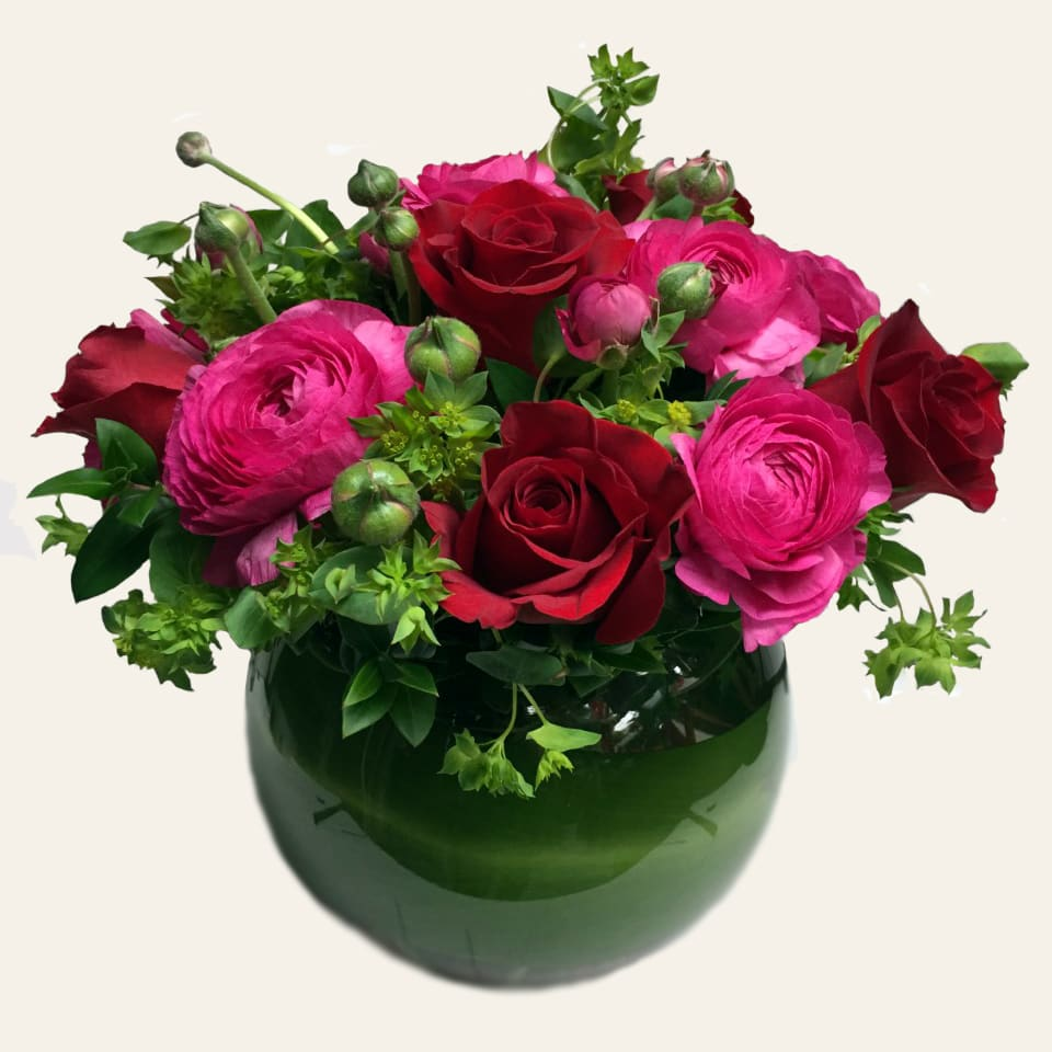 Red Roses And Pink Ranunculus Garden Bowl In San Diego Ca