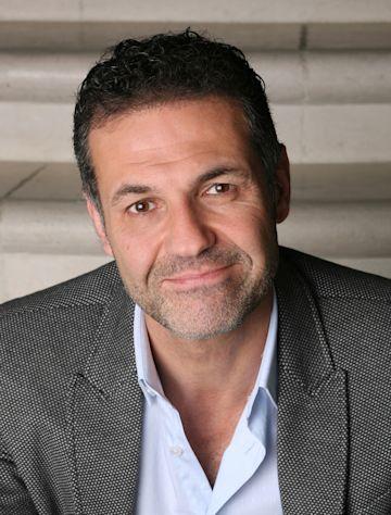 Khaled Hosseini photo
