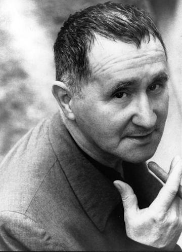 Bertolt Brecht photo