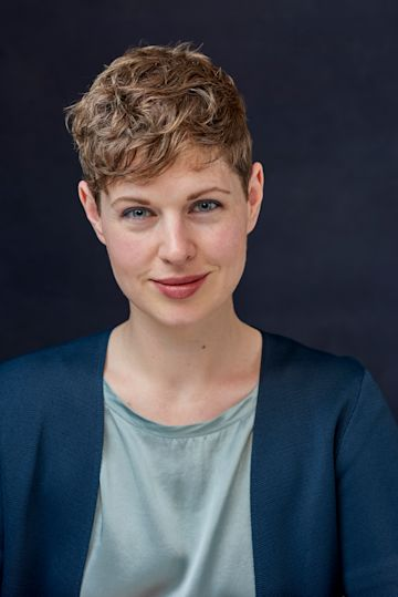 Lindsay Herbert photo