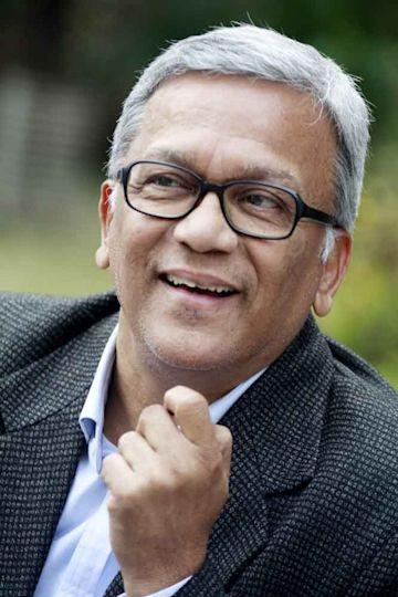 Vijay Lokapally photo