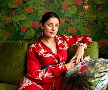 Jessie Burton photo