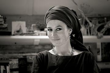 Olivia Lomenech Gill photo