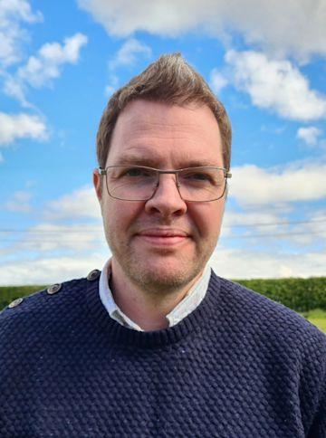 Simon Johnson photo