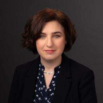 Deirdre Ní Fhloinn photo