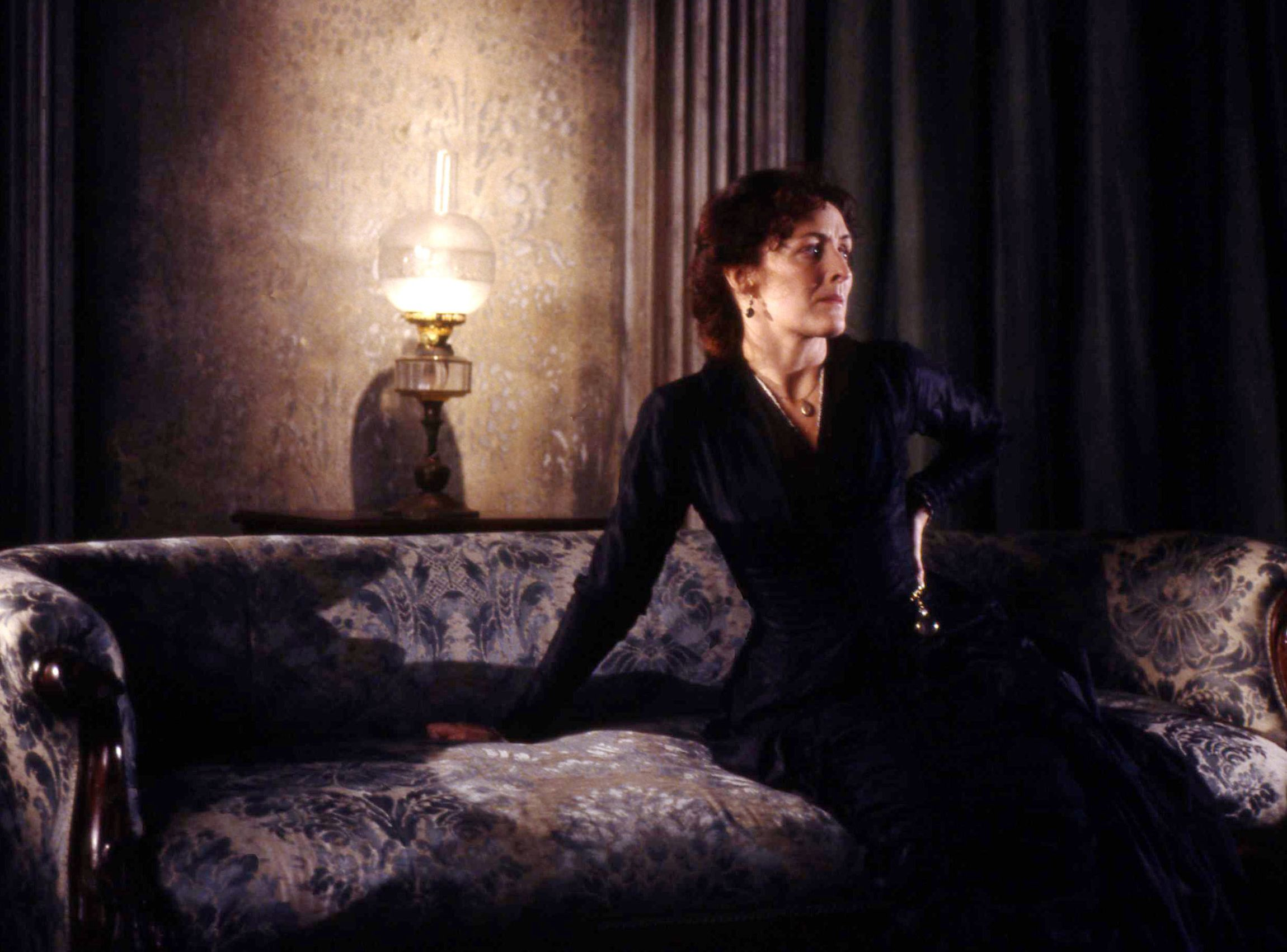 Hedda Gabler production image