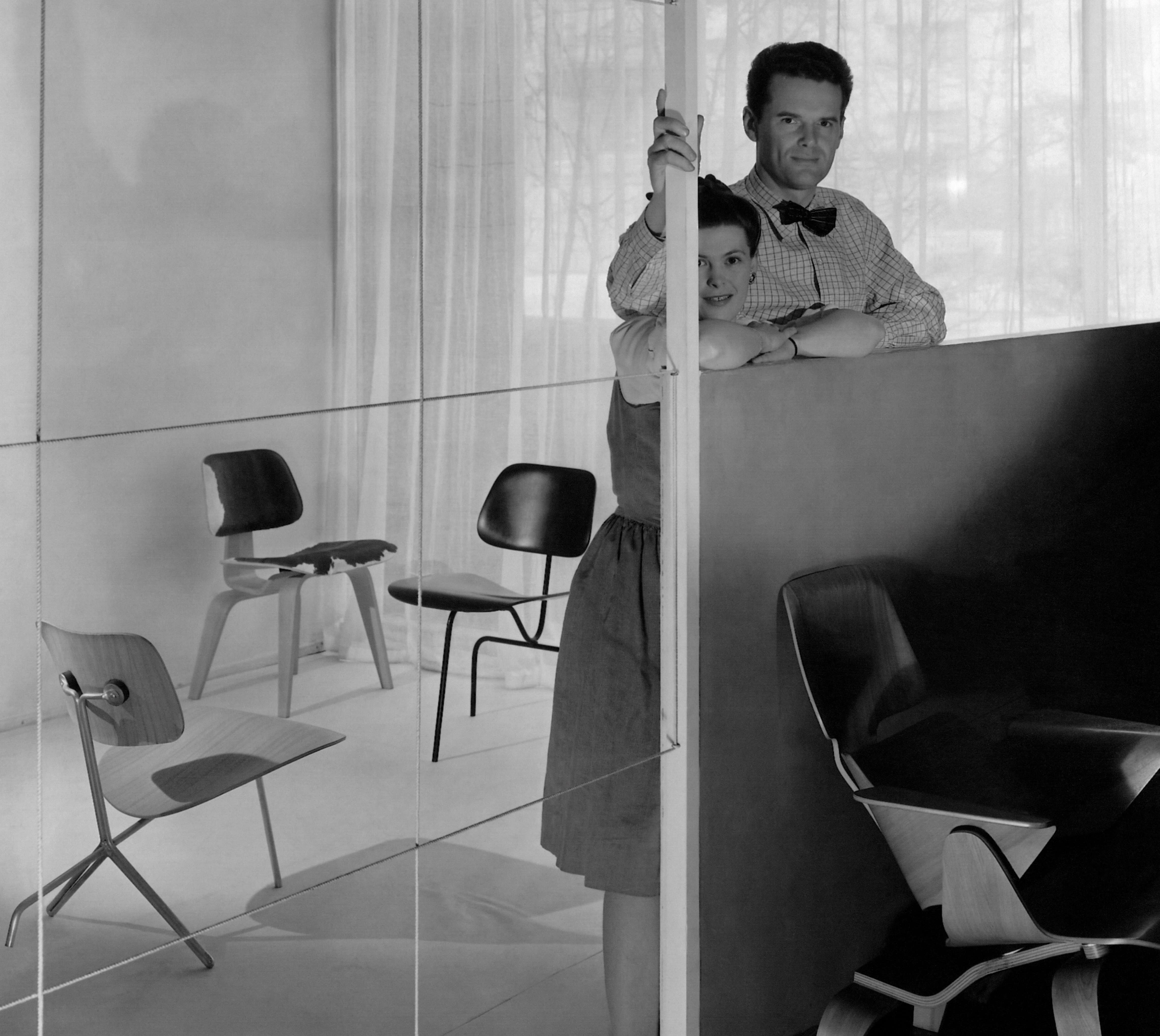 Charles and Ray Eames in their stuio © Getty / George Platt Lynes / Contributor