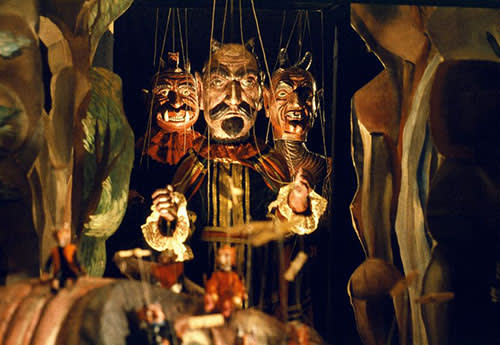 Still from Lekce Faust, a film by Jan Švankmajer (1994). Athanor, s. r. o. in coproduction with Lumen films, Heart of Europe Prague Production, BBC Bristol, Konnick International and Pandora film. Courtesy of Athanor. All rights reserved.