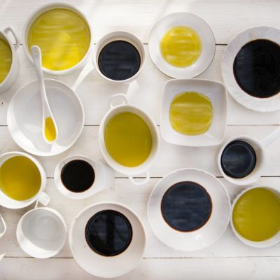 Oil, Olives, Vinegar & Condiments