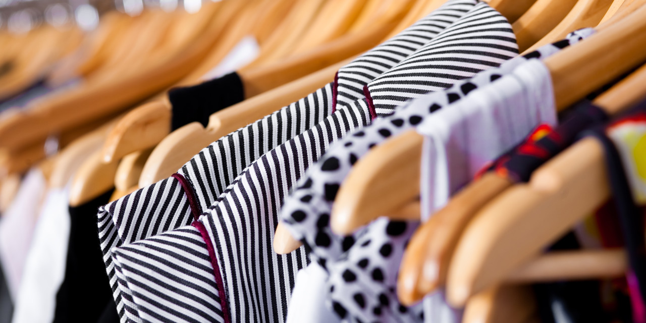 Working but pregnant? How to choose what to wear