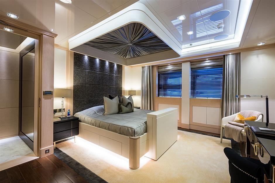 M/Y QUANTUM OF SOLACE Yacht #28