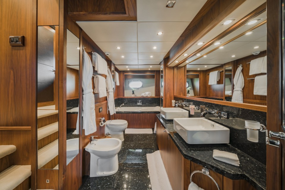 M/Y The Devocean Yacht #19