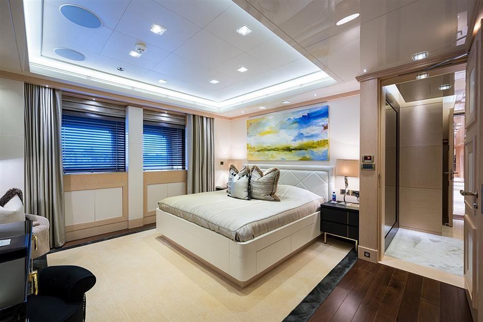 M/Y QUANTUM OF SOLACE Yacht #29