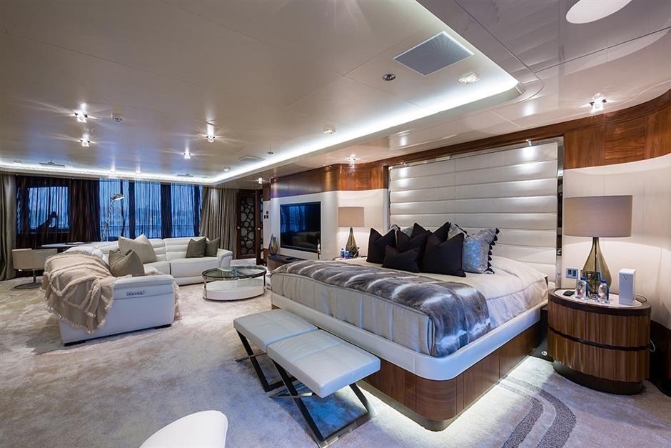 M/Y QUANTUM OF SOLACE Yacht #12