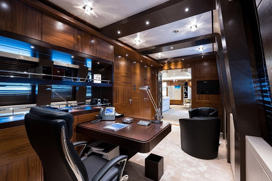 M/Y QUANTUM OF SOLACE Yacht #10
