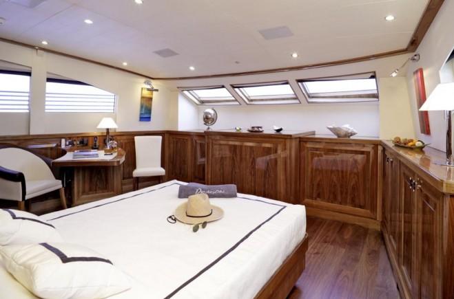 M/Y Dragon Yacht #17
